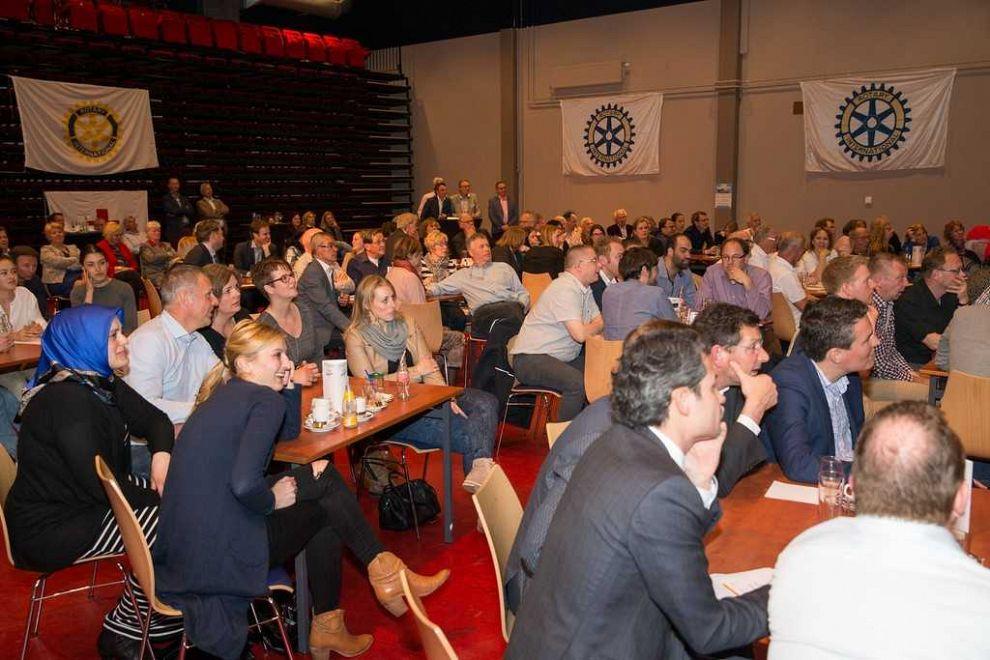 Opbrengst 3e Rotary Bedrijvenquiz naar 'Kinderen in de Knel'