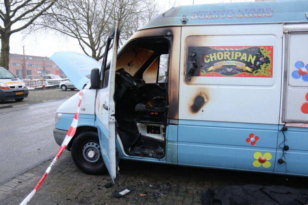 Twee voertuigen uitgebrand in zuid