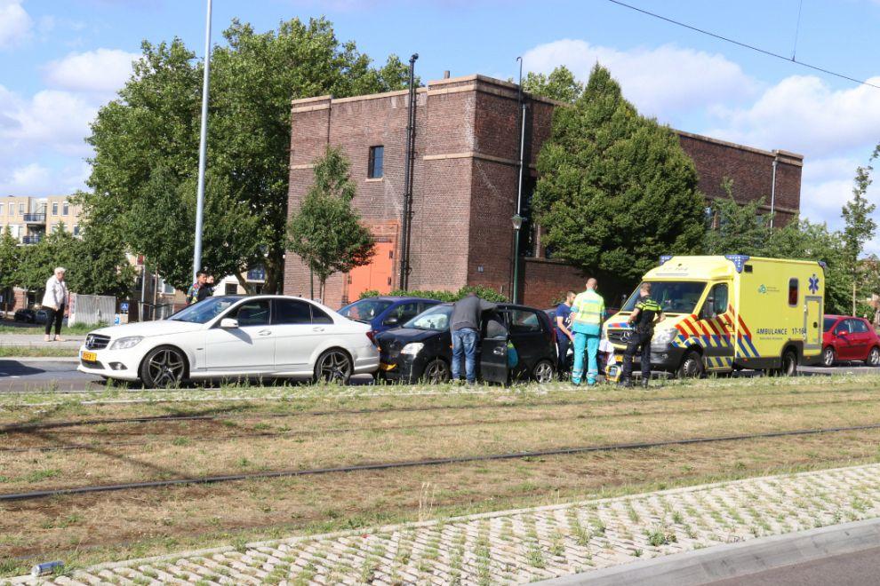 Gewond na aanrijding Rotterdamsedijk