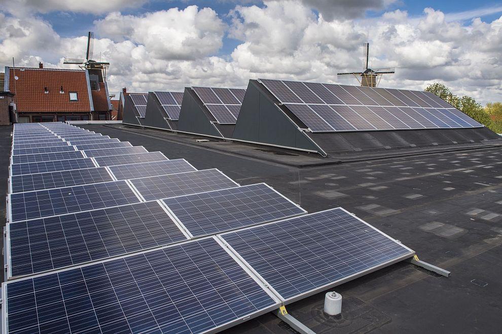 Schiedammers kopen samen 'n paar honderd zonnepanelen