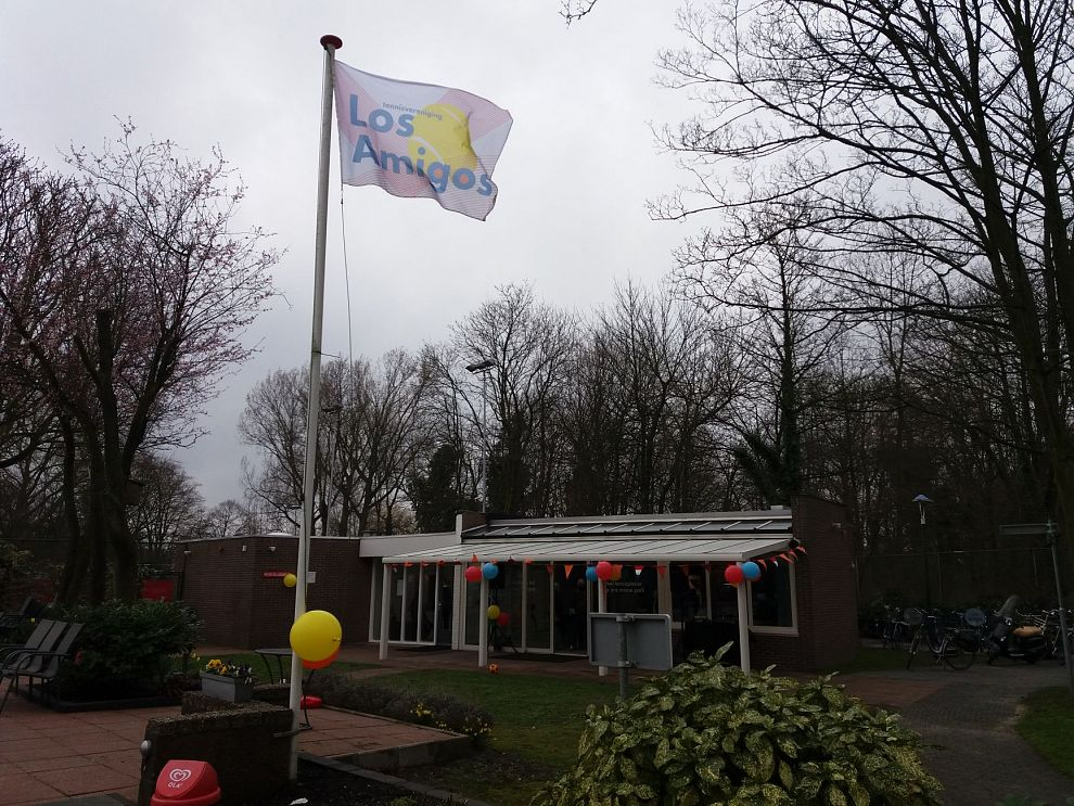 De vlag wappert bij Los Amigos