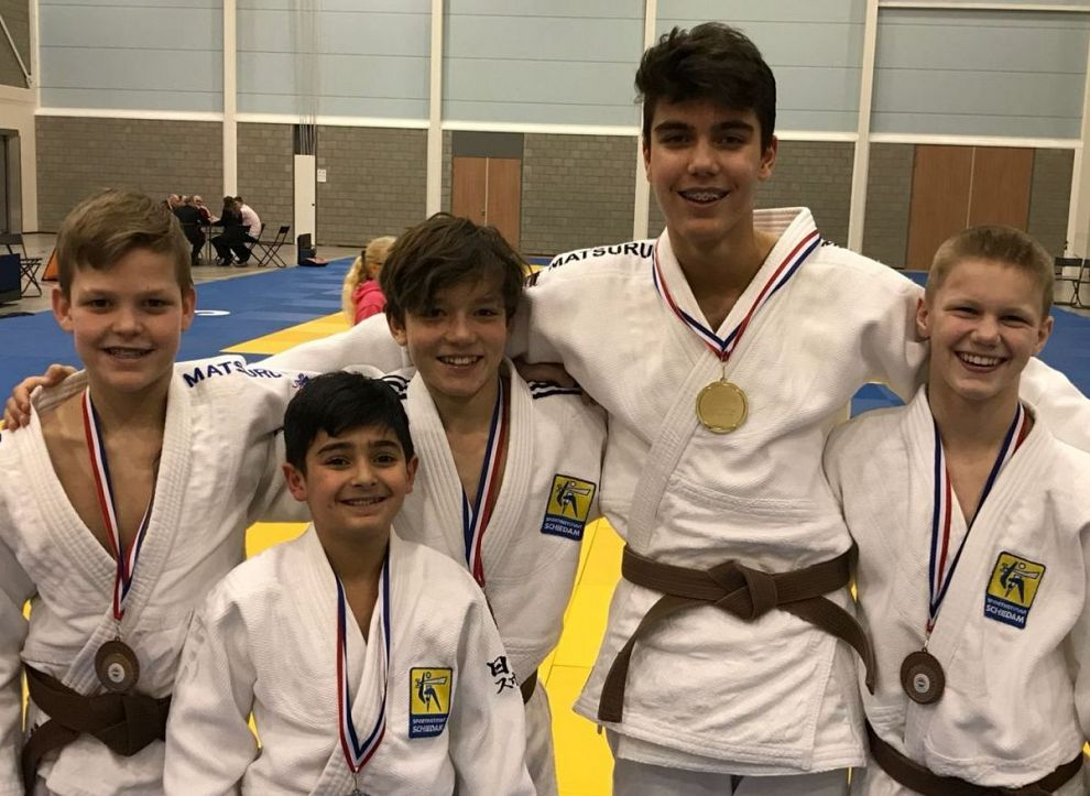 Negen Schiedamse judoka's naar NK