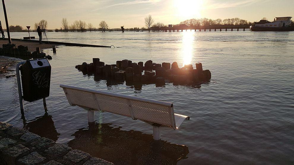 Zutphens waterwerk weer even gevuld met water