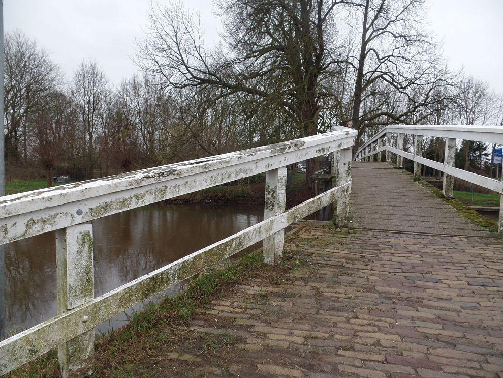 Stadspartij wil dat bruggetje Kerkepad in Warnsveld wordt opgeknapt