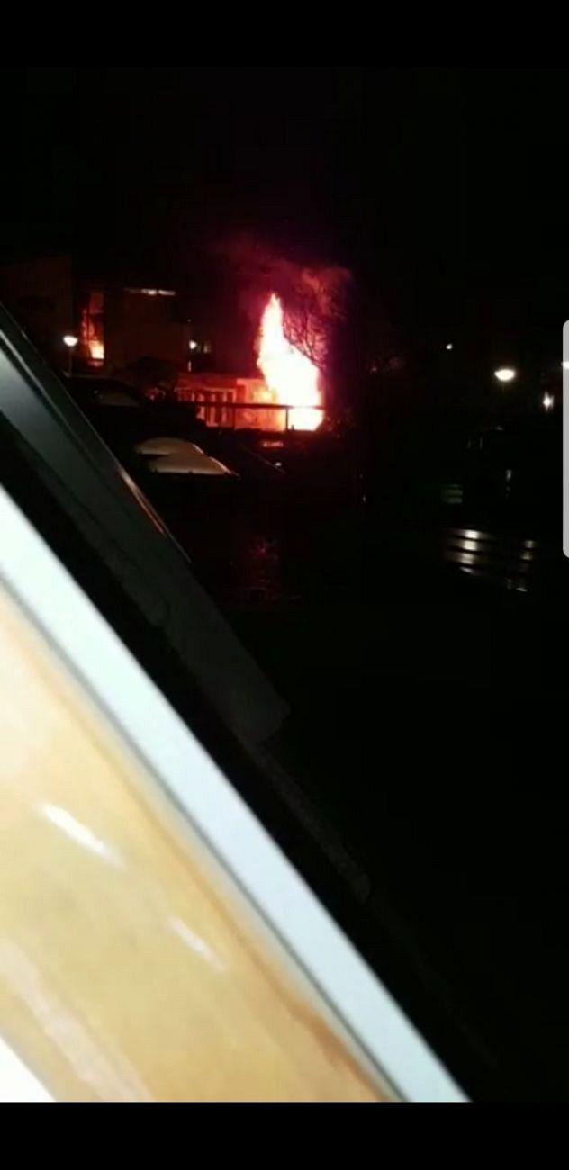 Felle brand slaat uit in Zutphense schuur